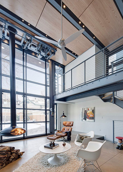 Metal-staircase-in-an-industrial-home