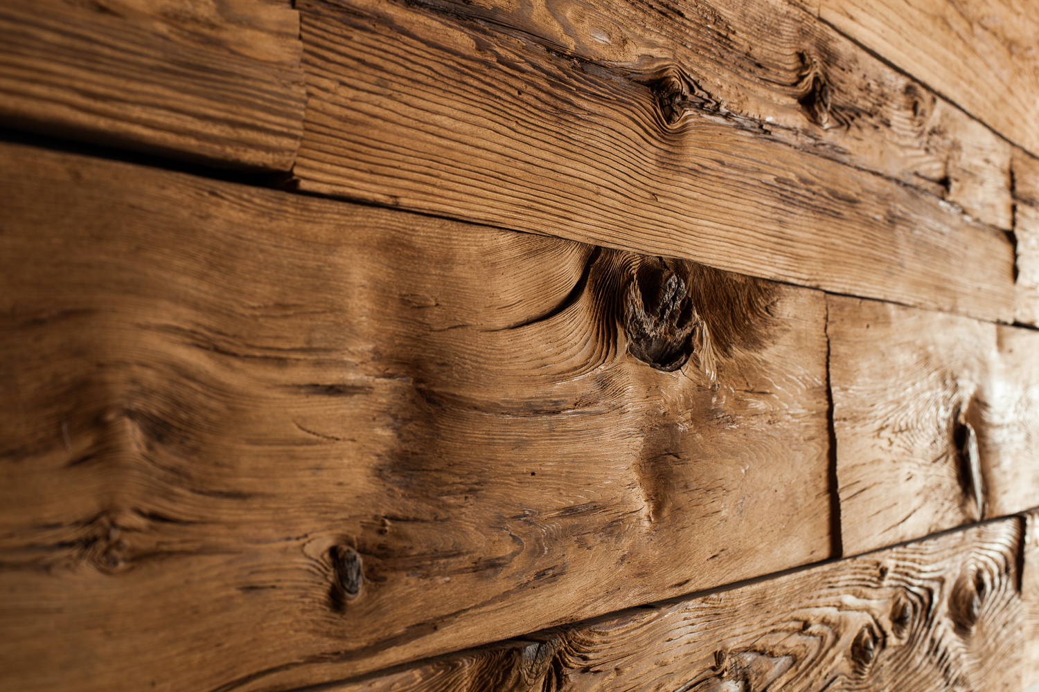 What is Reclaimed Wood? - From the Reclaimed Experts
