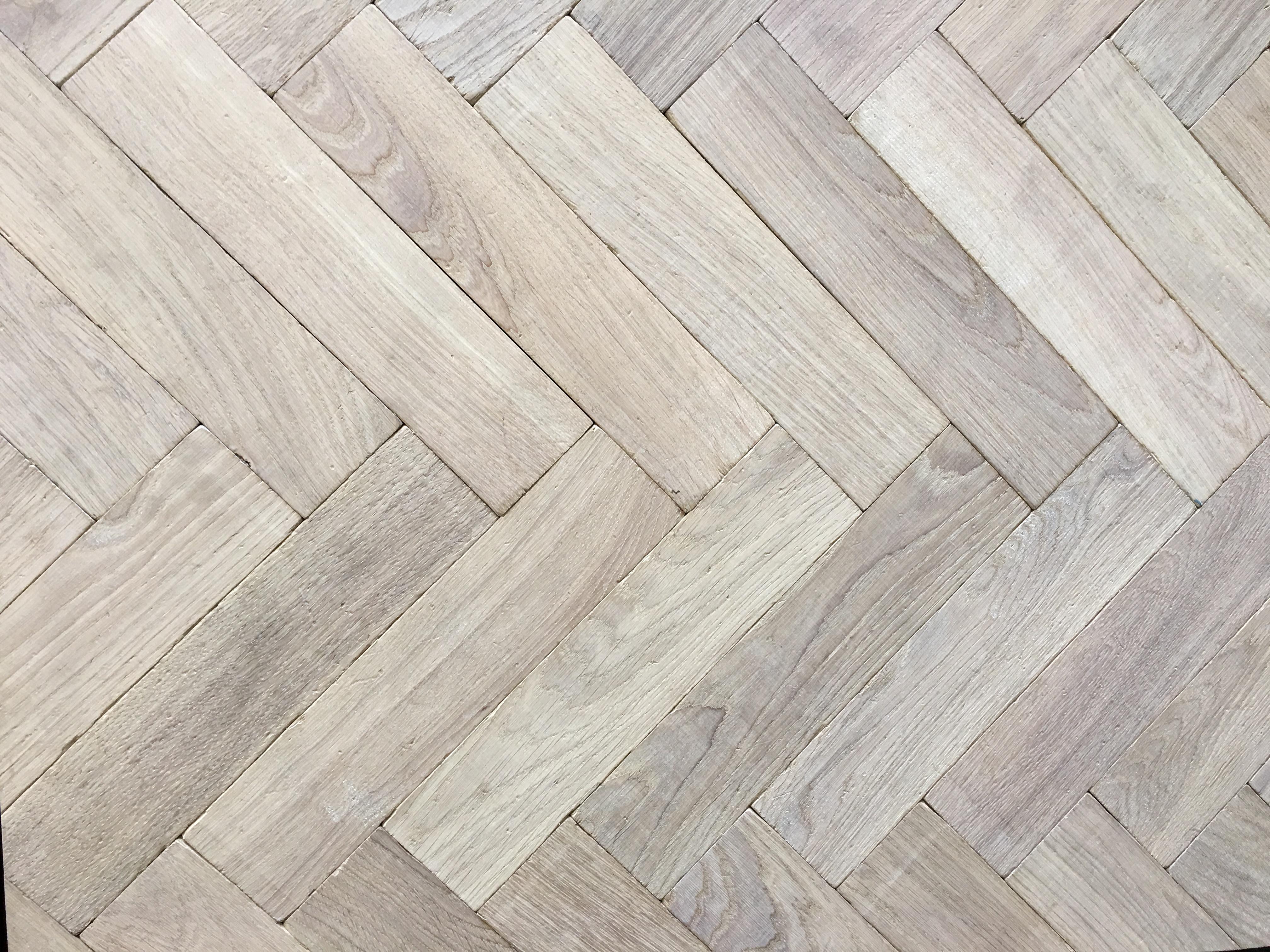 Traditional White Oak European Herringbone Panels Parquet Flooring Solid Wood Por Uk Based