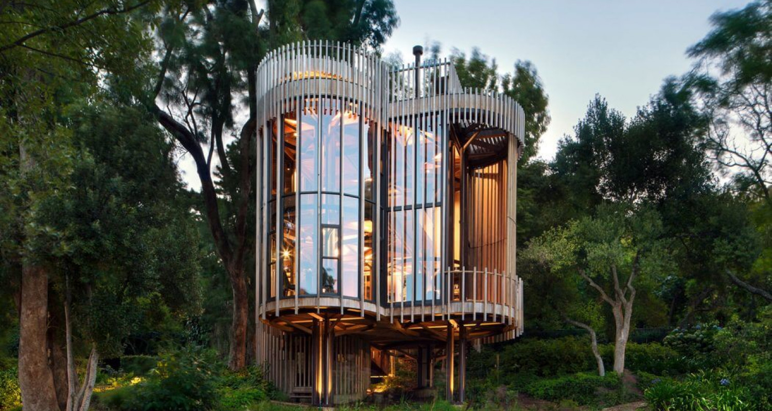 Modern Tree House by Malan Vorster