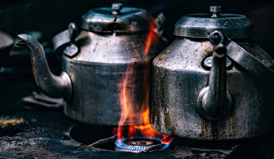 teapots-pots-cook-stove-flame-Chicken-And-Duck-Keeping-pb